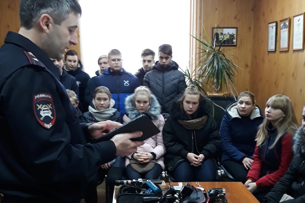 Начальник ОГИБДД провел урок Мужества  и Безопасности дорожного движения