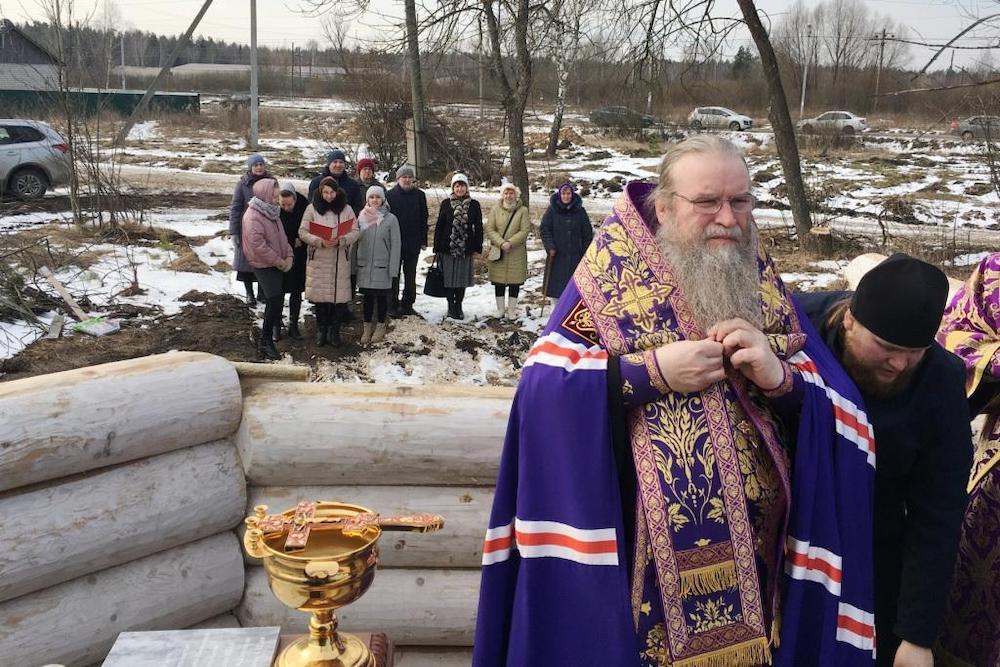 В Красной Горбатке началось строительство нового храма