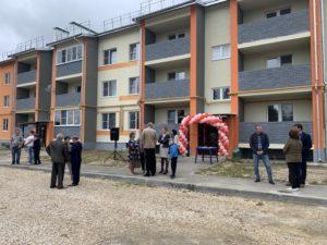 В день празднования Дня поселка в Красной Горбатке вручили ключи от новых квартир